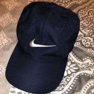 Nike dark blue hat. One size💕